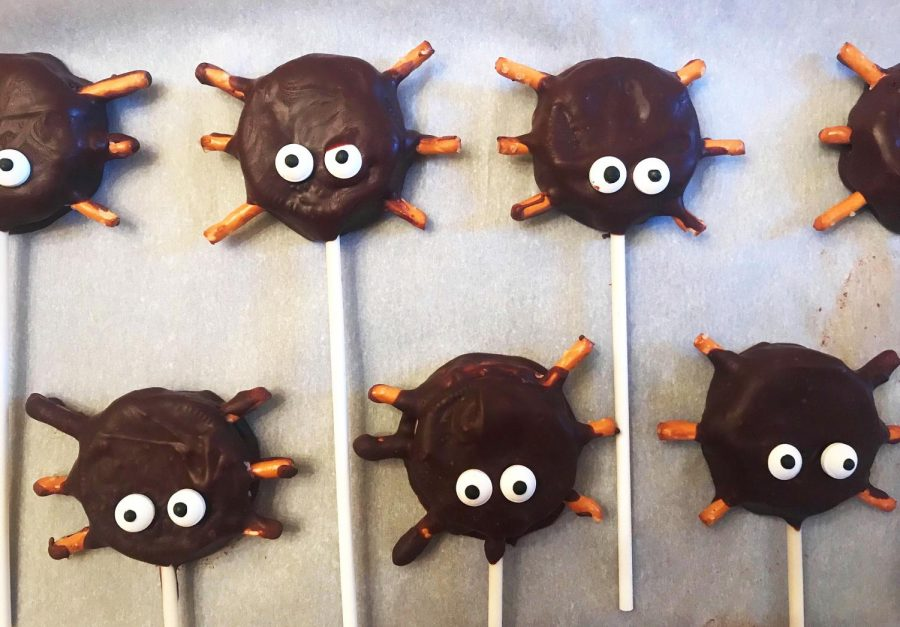 You'll cause a web of intrigue when you serve these spider pops at Halloween!