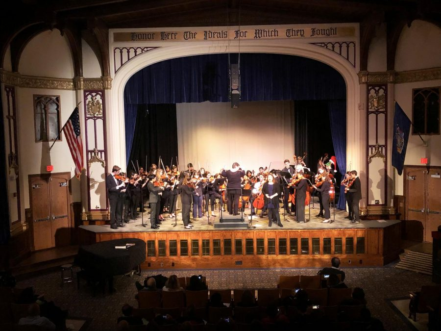 The+PMHS+orchestra+performs+a+selection+from+%E2%80%9CLa+Boheme%E2%80%9D+with+vocalist+Athena+Woodfin.
