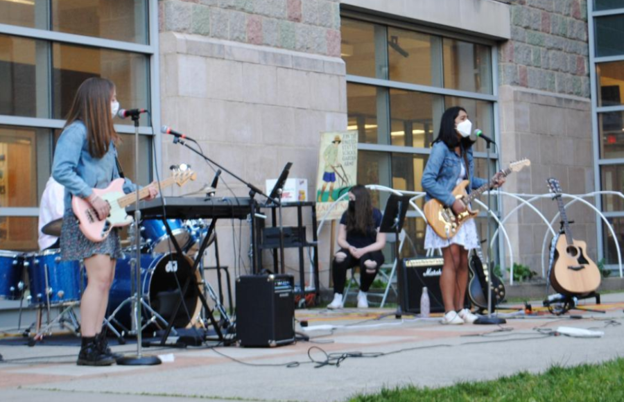 The outdoor concert took place in the breezeway between the high school and the middle school.